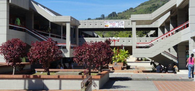 Ministerio de Educación Universitaria aplica economía deficitaria en las universidades