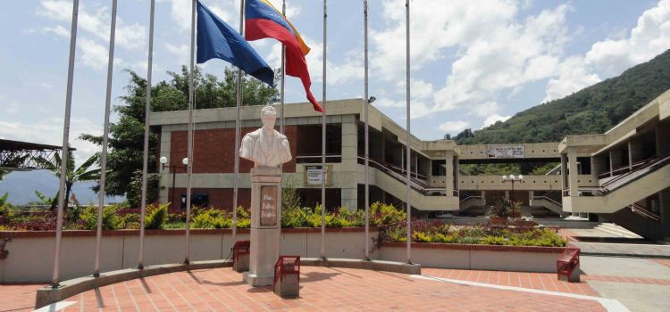 Plan Universidad en Casa es excluyente e inviable en Venezuela